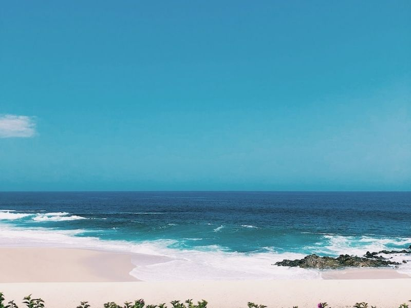 Beach with waves in Cabo