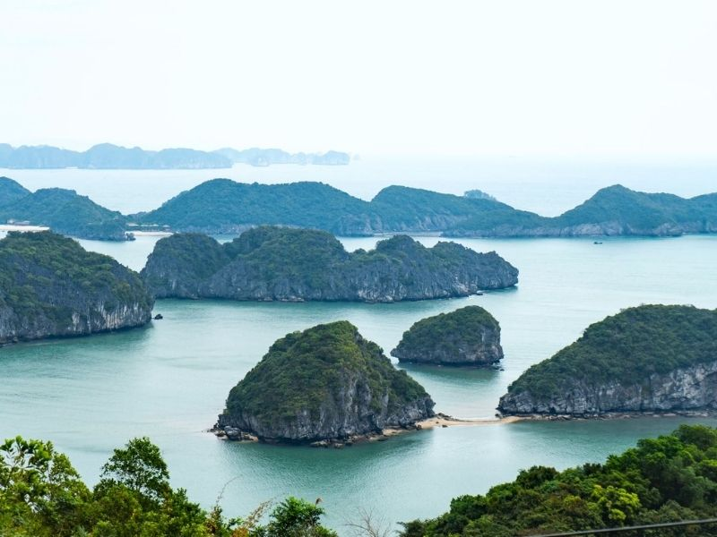 Cat Ba Island lookout point