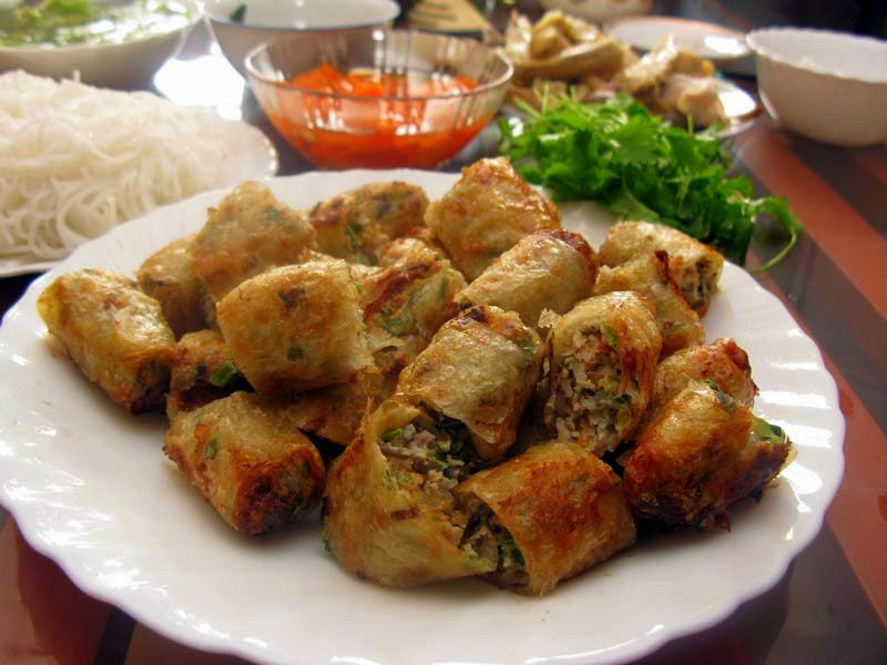 Chả giò is the Vietmanese version of China's spring roll