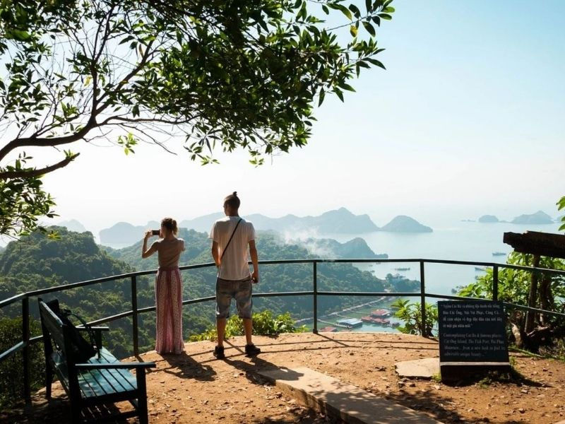 Travelers in the Cat Ba National Park