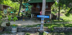 how to get to Haad Khom beach