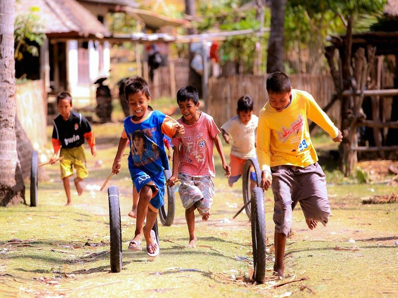 children playing in lombok