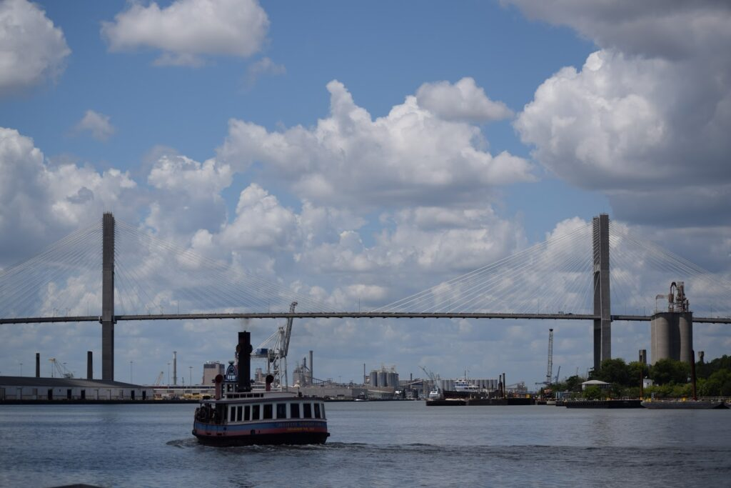 Savannah riverboats offer lunch and dinner cruises that will take you through the main sights of Savannah ga whilst your dine on incredible cuisine and rest your feet.