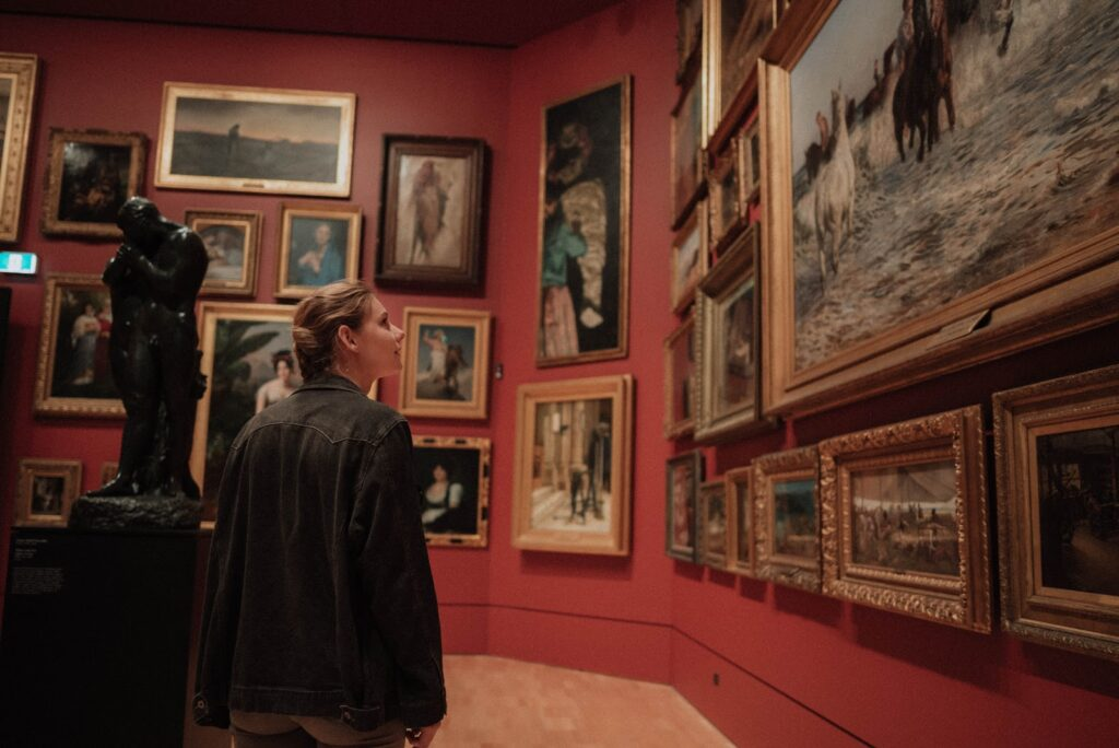 The Telfair Art Museums are a collection of 3 small museums that showcase some of Savannah's finest work and historical antiques.